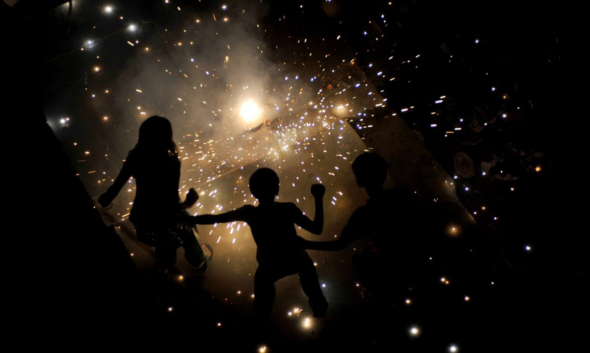 India's supreme court bans Diwali fireworks in Delhi to tackle pollution