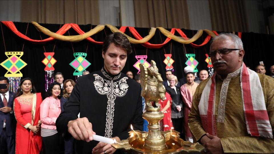 Twitter slams Canadian PM for wishing 'Diwali Mubarak'